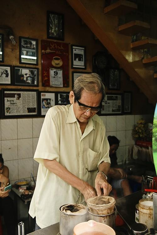 8 địa chỉ ăn uống lâu năm 'thử là ghiền' ở Sài Gòn - ảnh 7