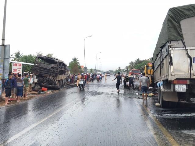Xe giường nằm bốc cháy: 12 người chết, 45 bị thương - ảnh 2