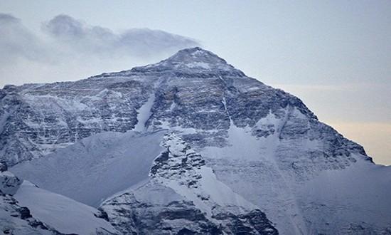 Everest không phải đỉnh núi cao nhất thế giới - ảnh 1