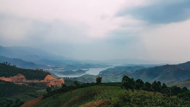 Hồ Tà Đùng - điểm hẹn mới cho người mê du lịch bụi - ảnh 1