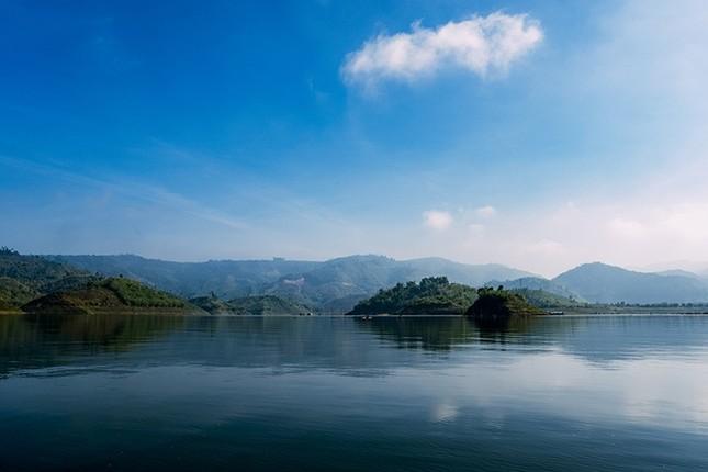 Hồ Tà Đùng - điểm hẹn mới cho người mê du lịch bụi - ảnh 2