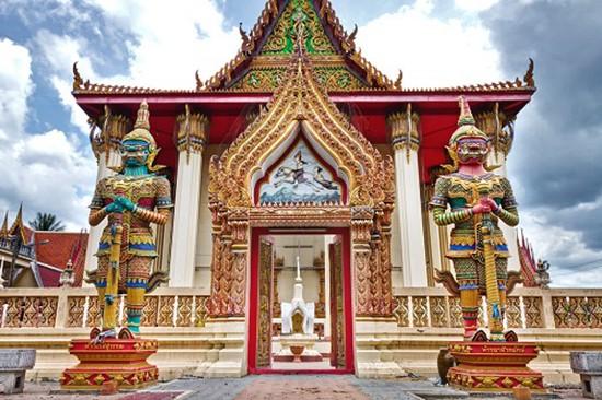 Khách Tây kể chuyện nhà sư Thái Lan xăm huyền thuật trong chùa - ảnh 1