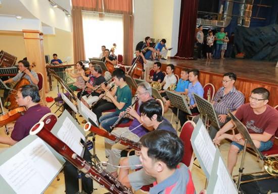 Vở Opera 'Lá đỏ' quy tụ 130 diễn viên sân khấu và dàn nhạc - ảnh 3