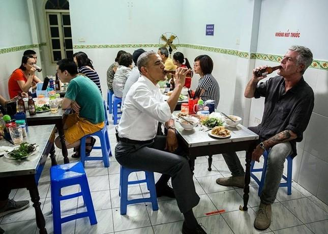 Đầu bếp ăn bún chả cùng Obama: 'Tôi đổi đời vì đến Việt Nam' - ảnh 2