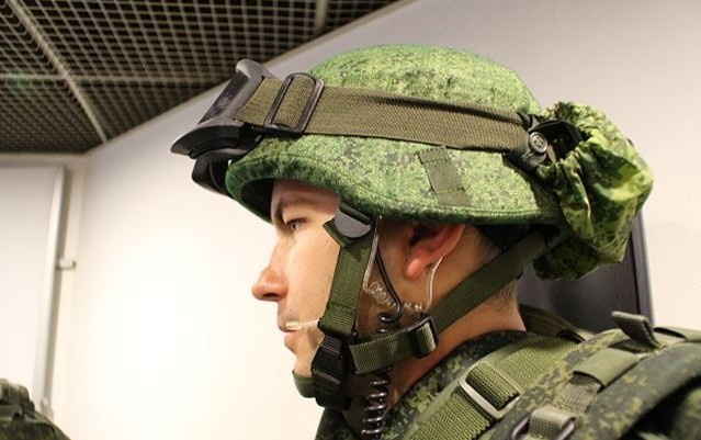 Siêu quân phục Nga 'chấp' súng lục bắn ở cư li 10m - ảnh 2