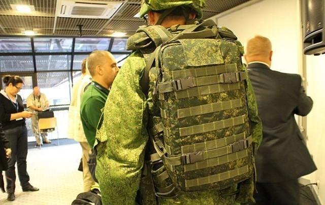 Siêu quân phục Nga 'chấp' súng lục bắn ở cư li 10m - ảnh 3