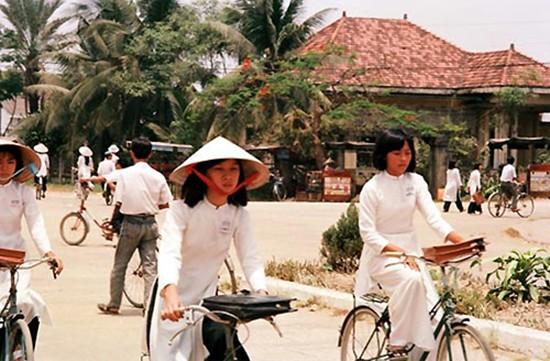 Việt Nam hơn 30 năm trước qua ống kính nhiếp ảnh gia Pháp - ảnh 10