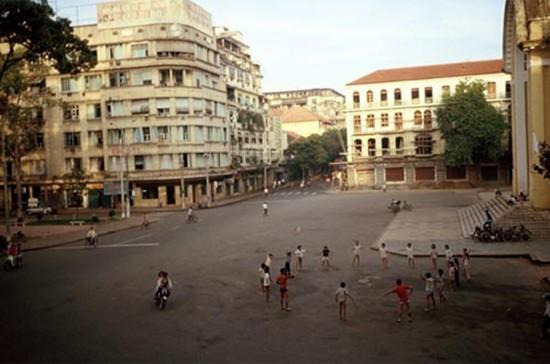 Việt Nam hơn 30 năm trước qua ống kính nhiếp ảnh gia Pháp - ảnh 6