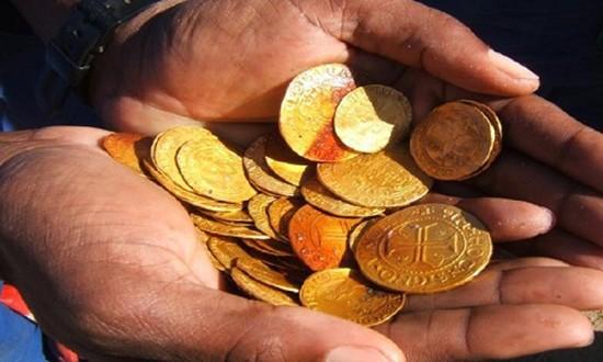 Tàu chất đầy vàng vùi dưới cát sa mạc Namibia - ảnh 1