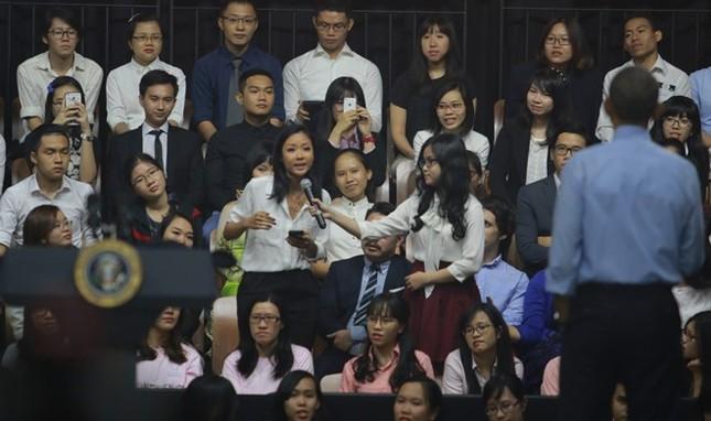 Phóng viên CNN đề nghị Suboi chấm điểm màn beatbox của Obama - ảnh 2