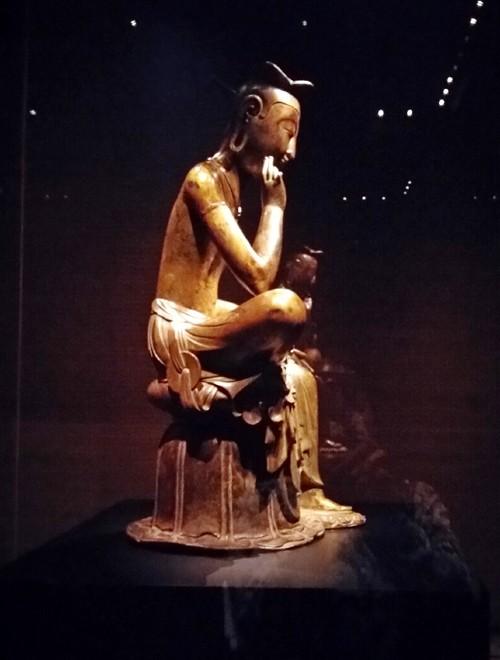 Tượng Phật lạ 1400 tuổi và vương miện vàng ròng 1kg - ảnh 4