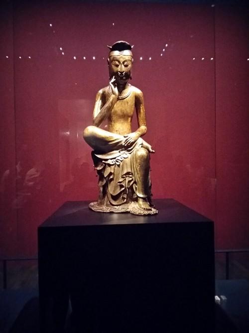 Tượng Phật lạ 1400 tuổi và vương miện vàng ròng 1kg - ảnh 3