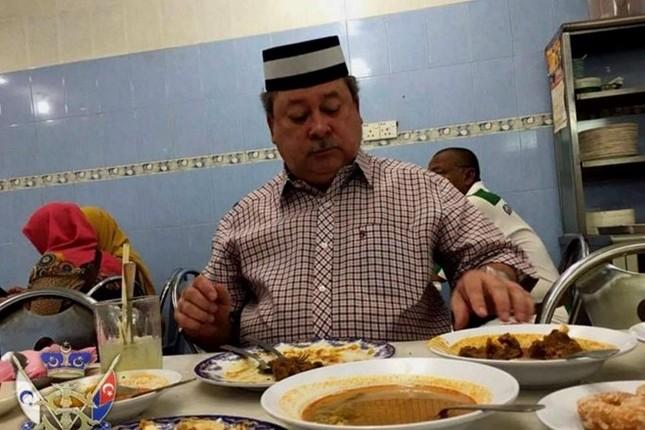 Những nguyên thủ quốc gia từng ăn quán bình dân - ảnh 6