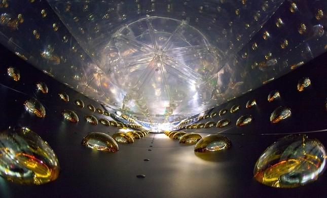 Những cỗ máy khổng lồ tìm kiếm hạt ma khắp thế giới - ảnh 5