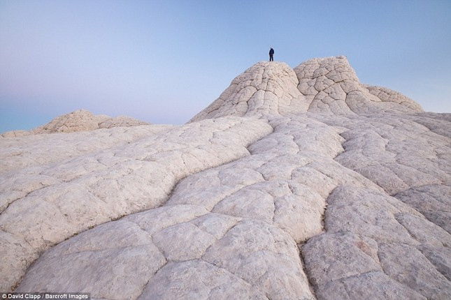 Những vẻ đẹp kỳ lạ trên sa mạc nước Mỹ - ảnh 2