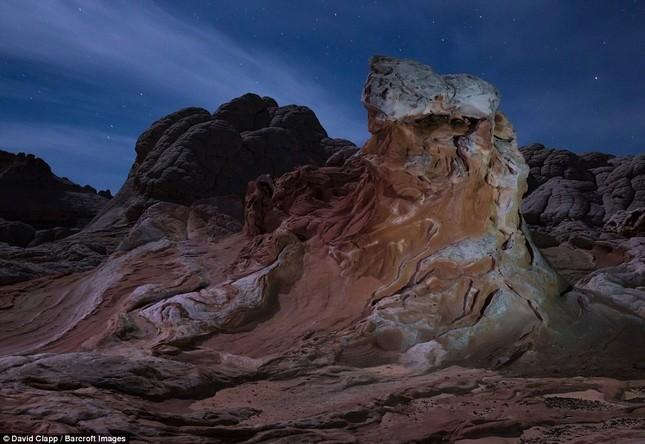 Những vẻ đẹp kỳ lạ trên sa mạc nước Mỹ - ảnh 6