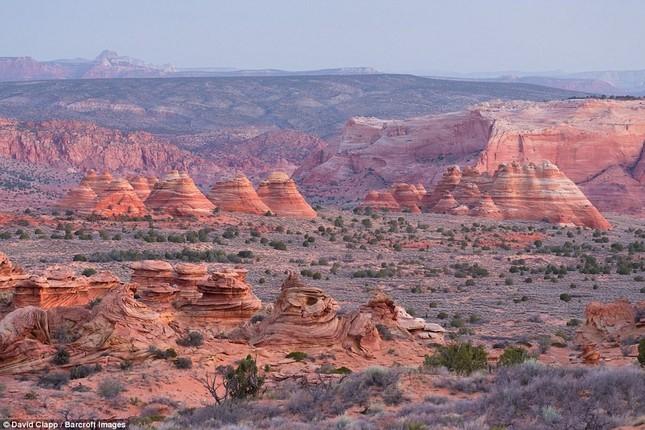 Những vẻ đẹp kỳ lạ trên sa mạc nước Mỹ - ảnh 7