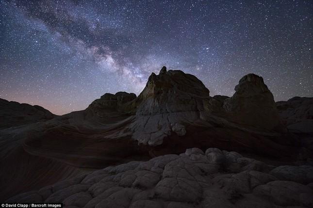 Những vẻ đẹp kỳ lạ trên sa mạc nước Mỹ - ảnh 12