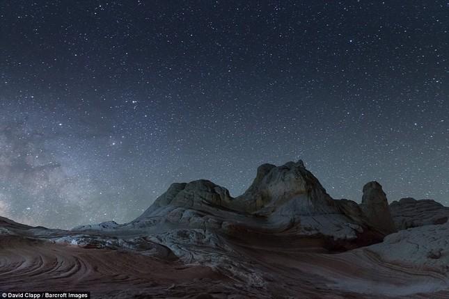 Những vẻ đẹp kỳ lạ trên sa mạc nước Mỹ - ảnh 8