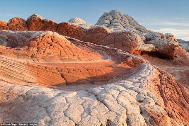 Những vẻ đẹp kỳ lạ trên sa mạc nước Mỹ - ảnh 14