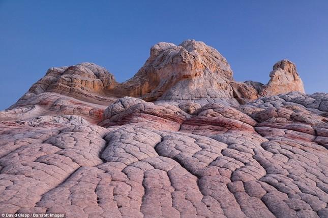 Những vẻ đẹp kỳ lạ trên sa mạc nước Mỹ - ảnh 16