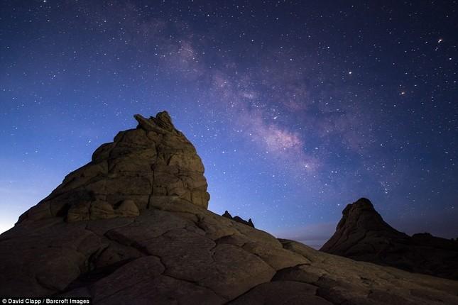 Những vẻ đẹp kỳ lạ trên sa mạc nước Mỹ - ảnh 15