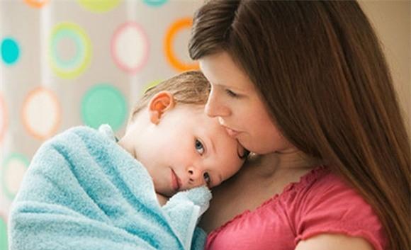 Dấu hiệu cảnh báo ung thư ở trẻ cha mẹ nên biết - ảnh 1