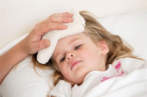 Dấu hiệu cảnh báo ung thư ở trẻ cha mẹ nên biết - ảnh 2