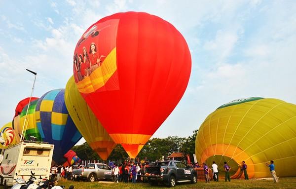 Vẻ đẹp kinh thành Huế nhìn từ khinh khí cầu - ảnh 1