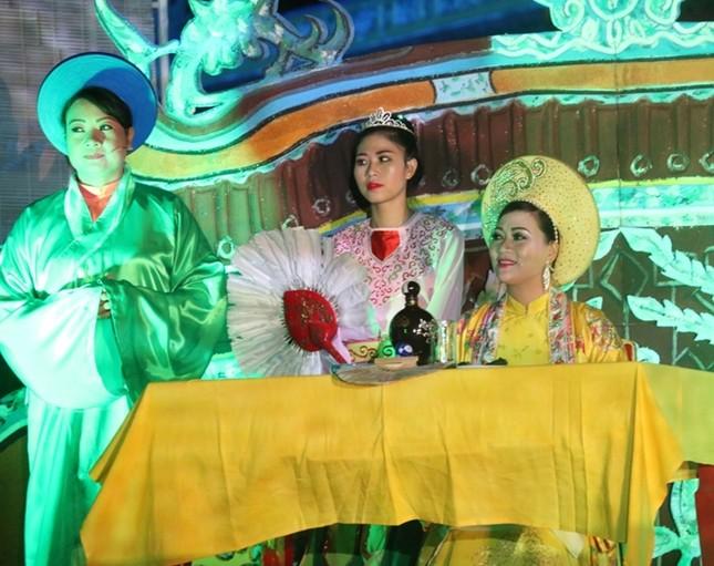 Đám cưới công chúa triều Nguyễn làm nóng 'đêm Hoàng Cung' - ảnh 2