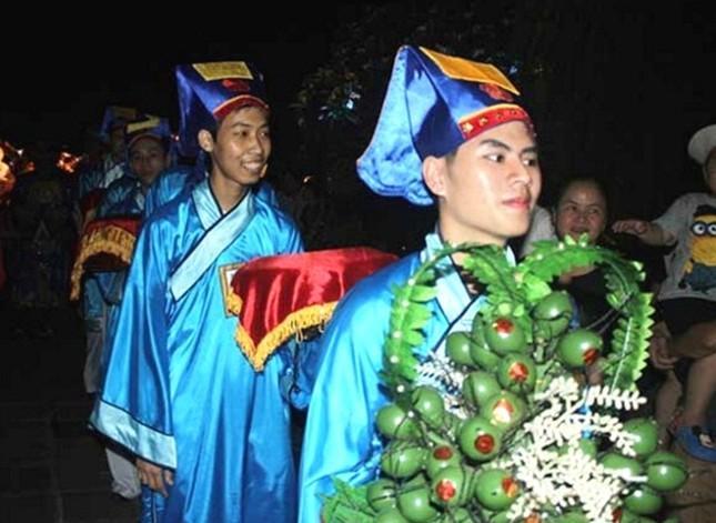 Đám cưới công chúa triều Nguyễn làm nóng 'đêm Hoàng Cung' - ảnh 6