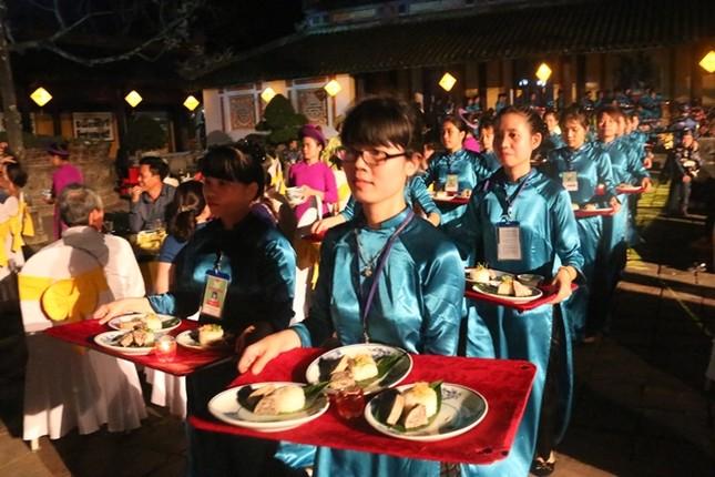Đám cưới công chúa triều Nguyễn làm nóng 'đêm Hoàng Cung' - ảnh 4