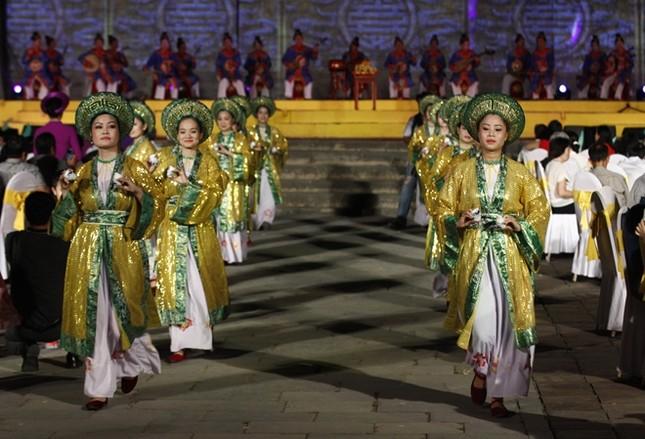 Đám cưới công chúa triều Nguyễn làm nóng 'đêm Hoàng Cung' - ảnh 5