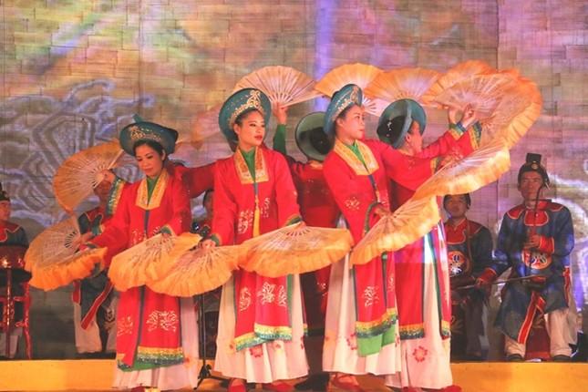 Đám cưới công chúa triều Nguyễn làm nóng 'đêm Hoàng Cung' - ảnh 9