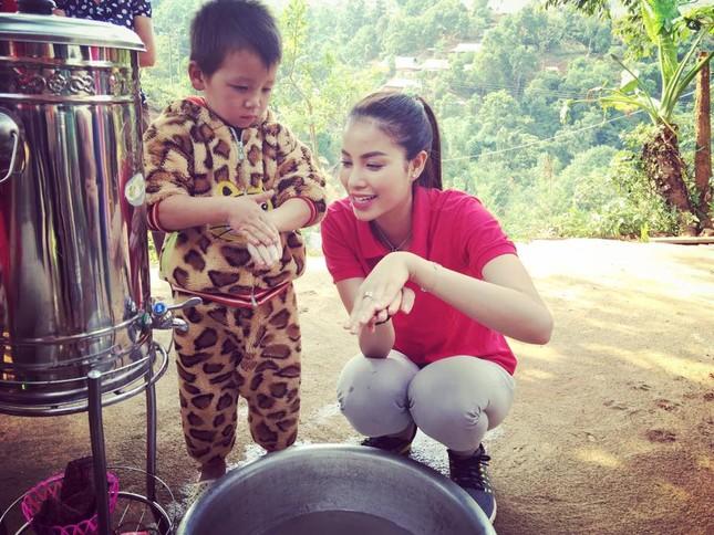 Phạm Hương dạy tiếng Việt cho trẻ em dân tộc ở Điện Biên - ảnh 4