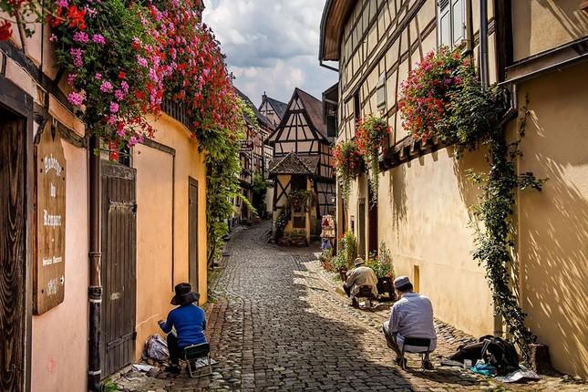 15 ngôi làng tuyệt đẹp bạn nên đến thăm một lần trong đời - ảnh 2