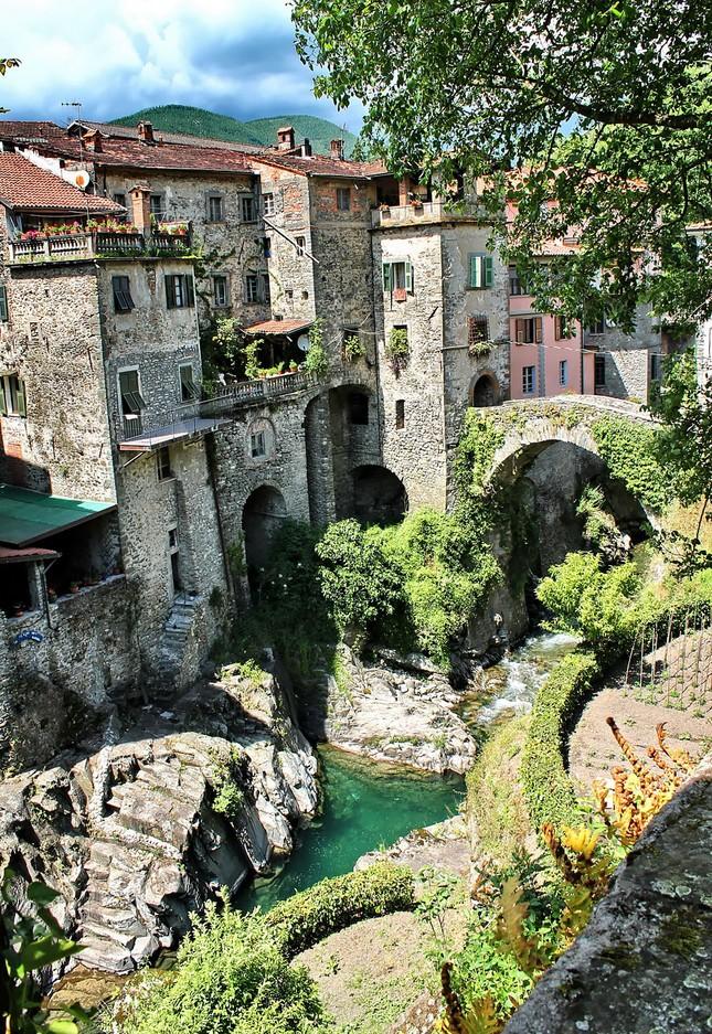 15 ngôi làng tuyệt đẹp bạn nên đến thăm một lần trong đời - ảnh 9