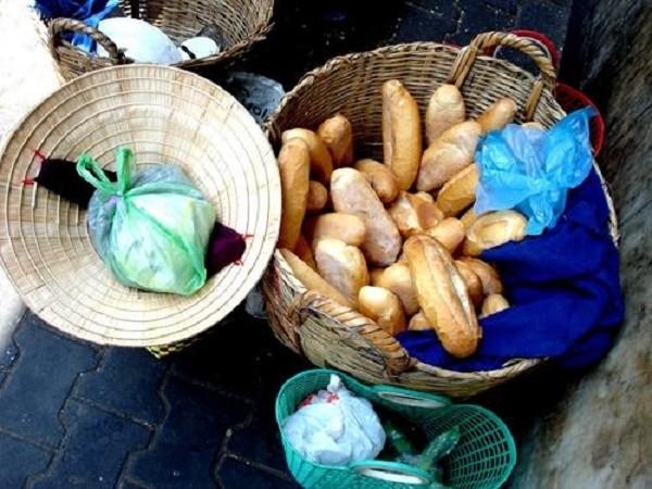 9X cướp bánh mì vì đói, chịu án 3 -10 năm tù - ảnh 1