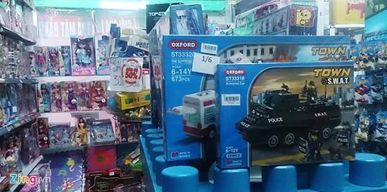 Né hàng TQ, cha mẹ bỏ tiền triệu mua đồ chơi ngày 1/6 - ảnh 1