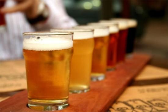Vào hè, người Việt uống bia nhiều gấp rưỡi - ảnh 1