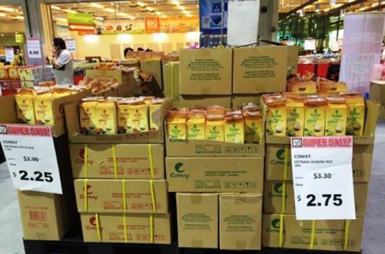Gạo Việt vào siêu thị Singapore - ảnh 1