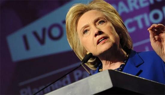 Hillary Clinton kêu gọi các hãng công nghệ giúp ngăn thảm sát - ảnh 1