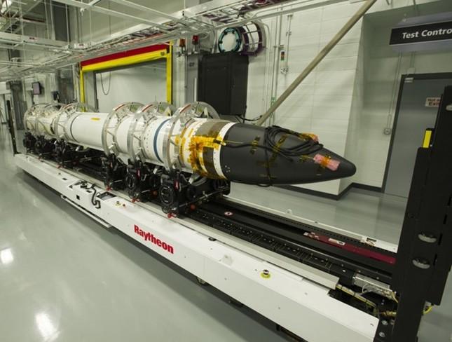 Mỹ thử nghiệm sát thủ đánh chặn ngoài không gian - ảnh 1