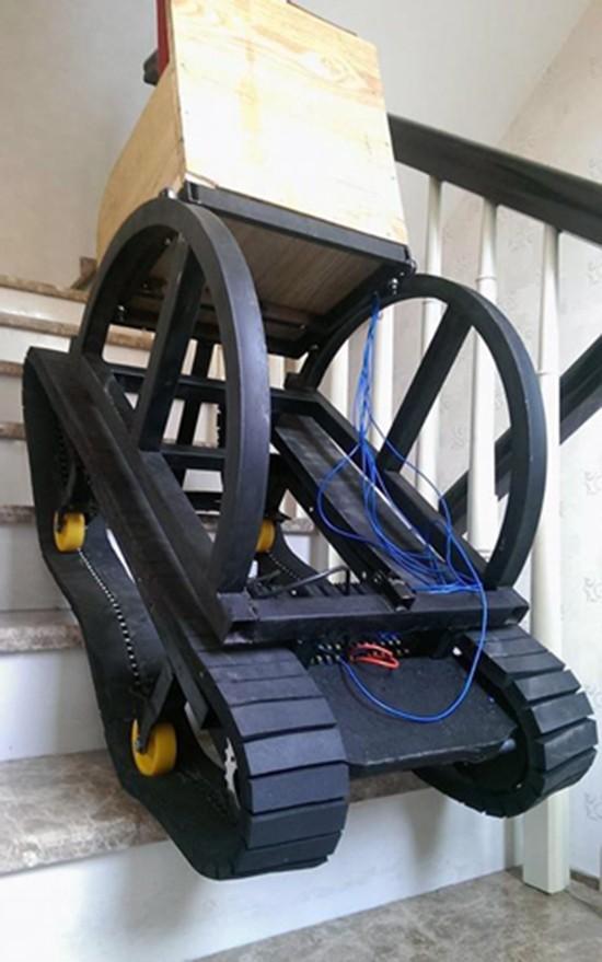 Học sinh Sài Gòn chế xe lăn vượt địa hình được giải quốc tế - ảnh 1