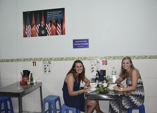 Quán bún chả Hương Liên đưa 'combo Obama' vào thực đơn - ảnh 3