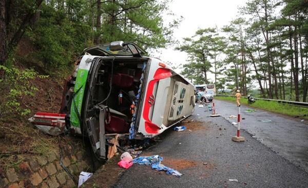 Tai nạn xe khách tại đèo Prenn, 7 người tử nạn - ảnh 2