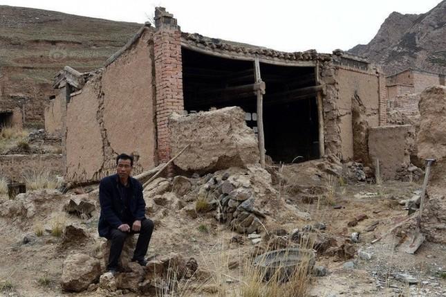 Người đàn ông một mình sống giữa làng ma ở Trung Quốc - ảnh 3