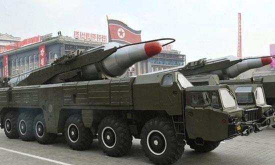 Hàn Quốc họp khẩn vì Triều Tiên phóng tên lửa tầm trung - ảnh 1