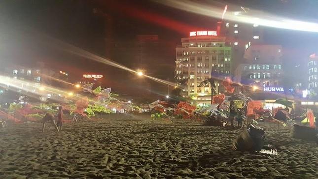 Lý do 70.000 người chen nhau trên bãi biển Sầm Sơn - ảnh 3