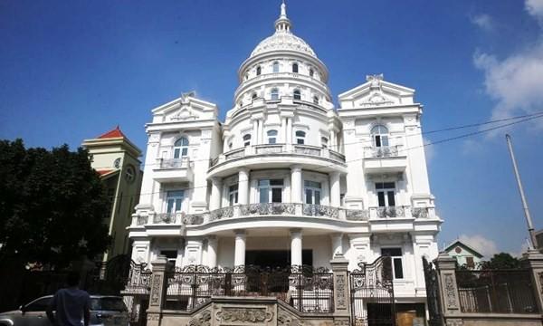 Đại gia Ninh Bình bí ẩn xây lâu đài 1.000 tỷ - ảnh 1